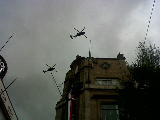 Helicopteros-federales-sobrevolando