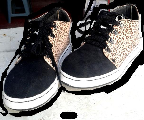 tenis_leopardo-negro